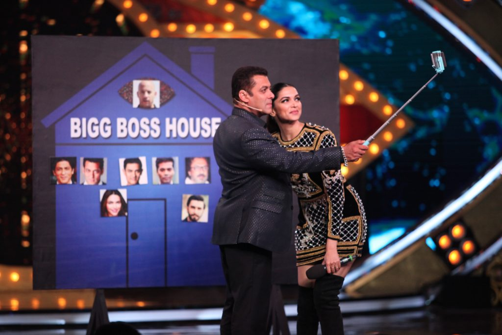 deepika-padukone-on-the-premiere-episode-of-bigg-boss-10-7