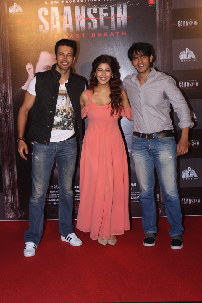 rajneesh-duddal-sonarika-bhadoria-and-hiten-tejwani-at-the-trailer-launch-of-saansein-the-last-breather