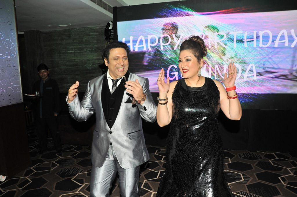 3-govinda-with-wife-sunita-ahuja-dsc_9470
