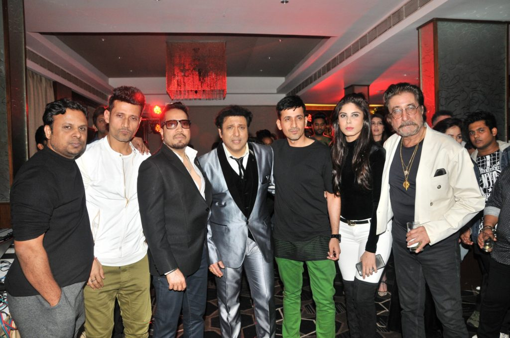 8-kumaar-with-meet-brothers-mika-singh-govinda-and-shakti-kapoor-dsc_9803