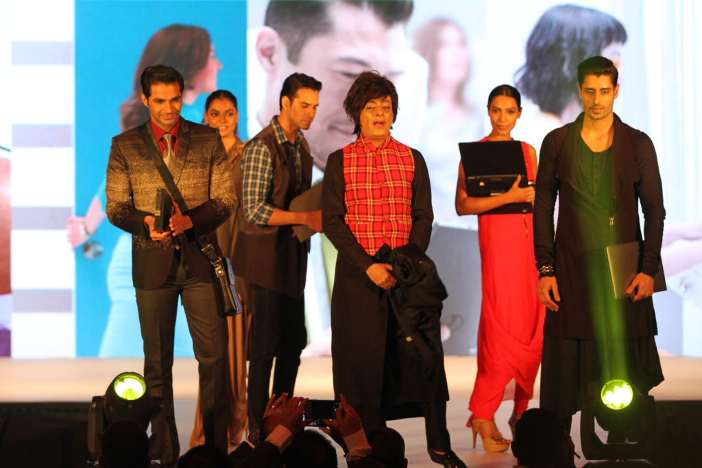 5. Designer Rohit Verma with the models at Dell events (2)