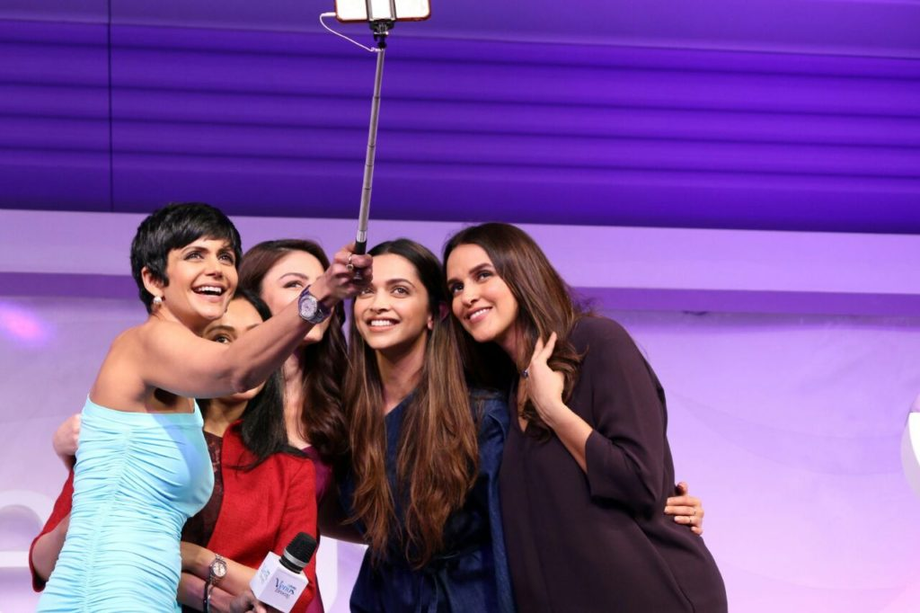 Deepika Padukone At Launch Of Gillette Venus Breeze (2)