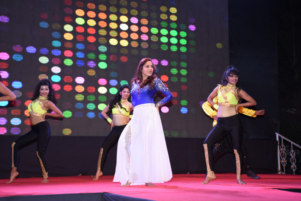 18. Neha Banerjee Performing at SAILOR TODAY SEA SHORE AWARDS 2017 DSC_1913