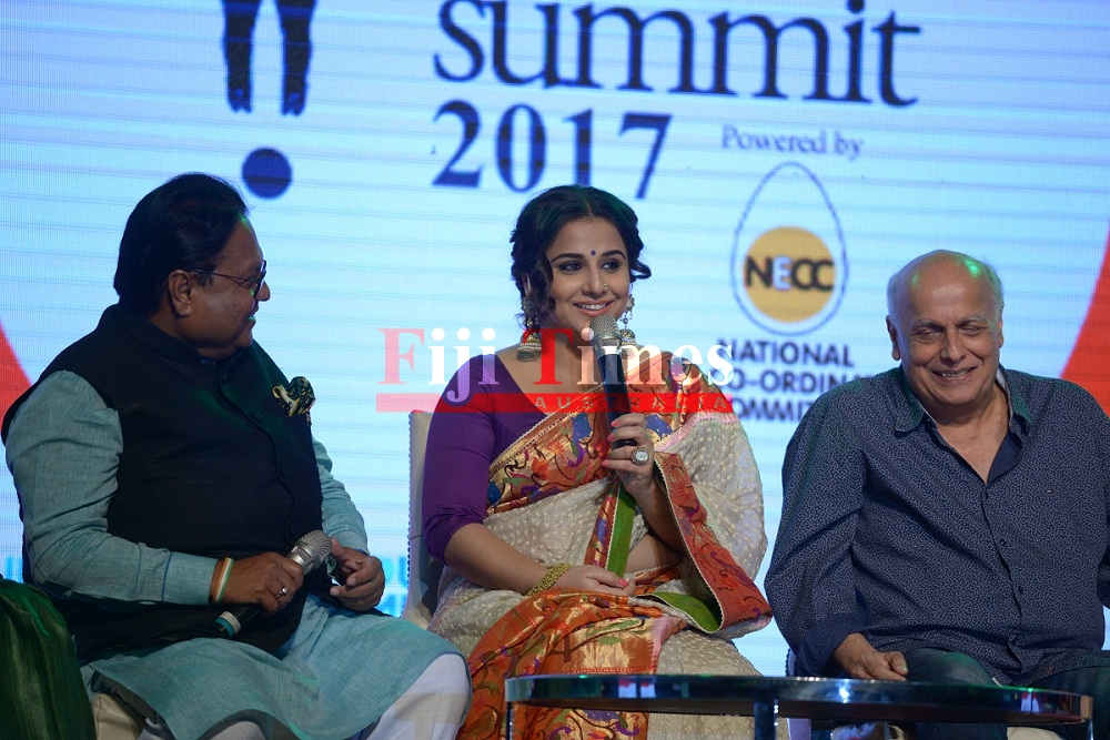 Pic 3-Mr. Vijay Darda, Chairman, Lokmat Media Pvt Ltd, Actress Vidya Balan and Director Mahesh Bhatt
